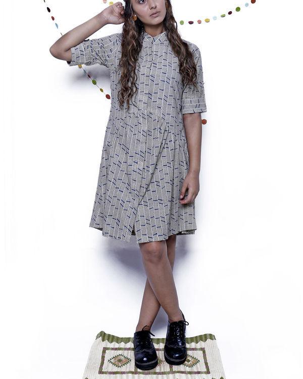 Geometric gathered midi dress