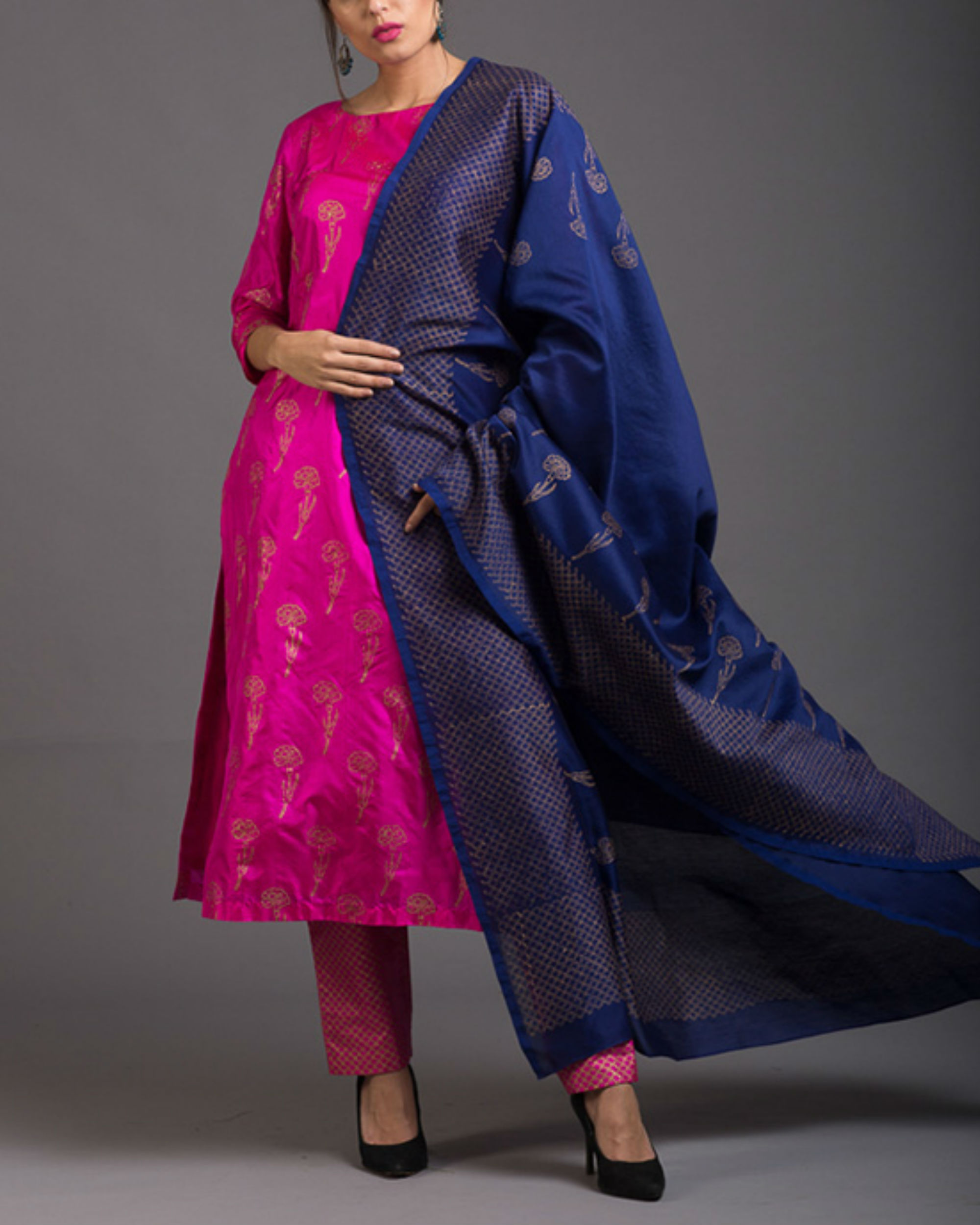 Pink sapphire lily printed set with ink blue dupatta