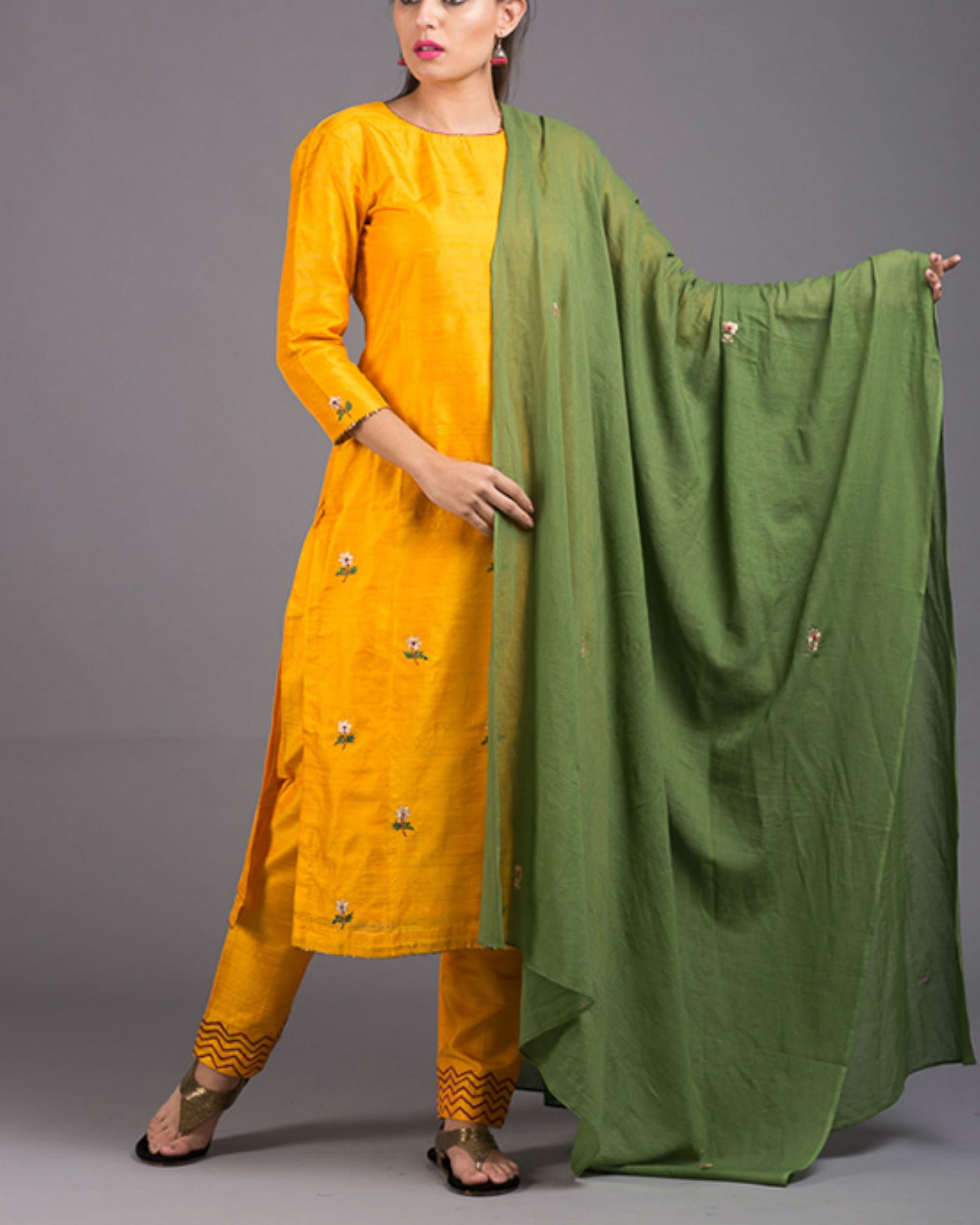 Amber floral embroidered set with green embroidered dupatta