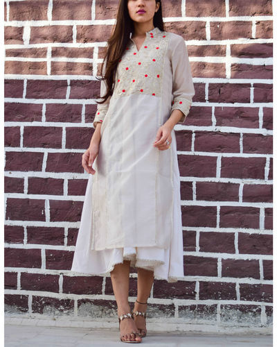 Ivory Gota Asymmetric Tunic With Inner