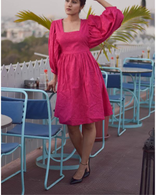 Pink trumpet short dress