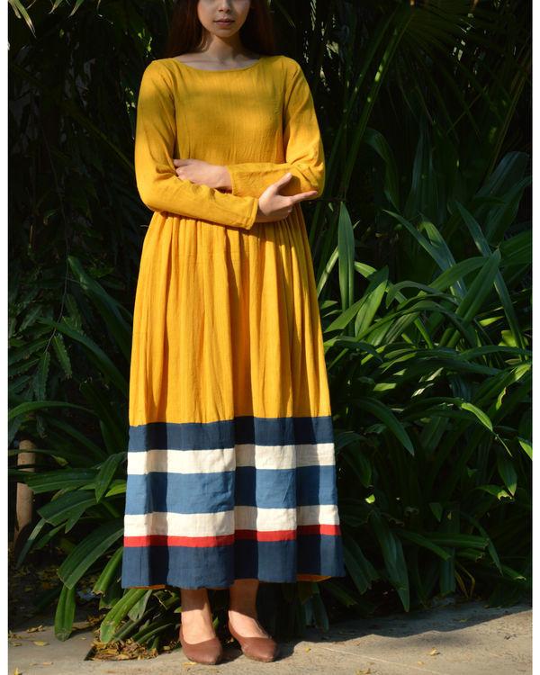 Mustard multicolor border gathered maxi dress