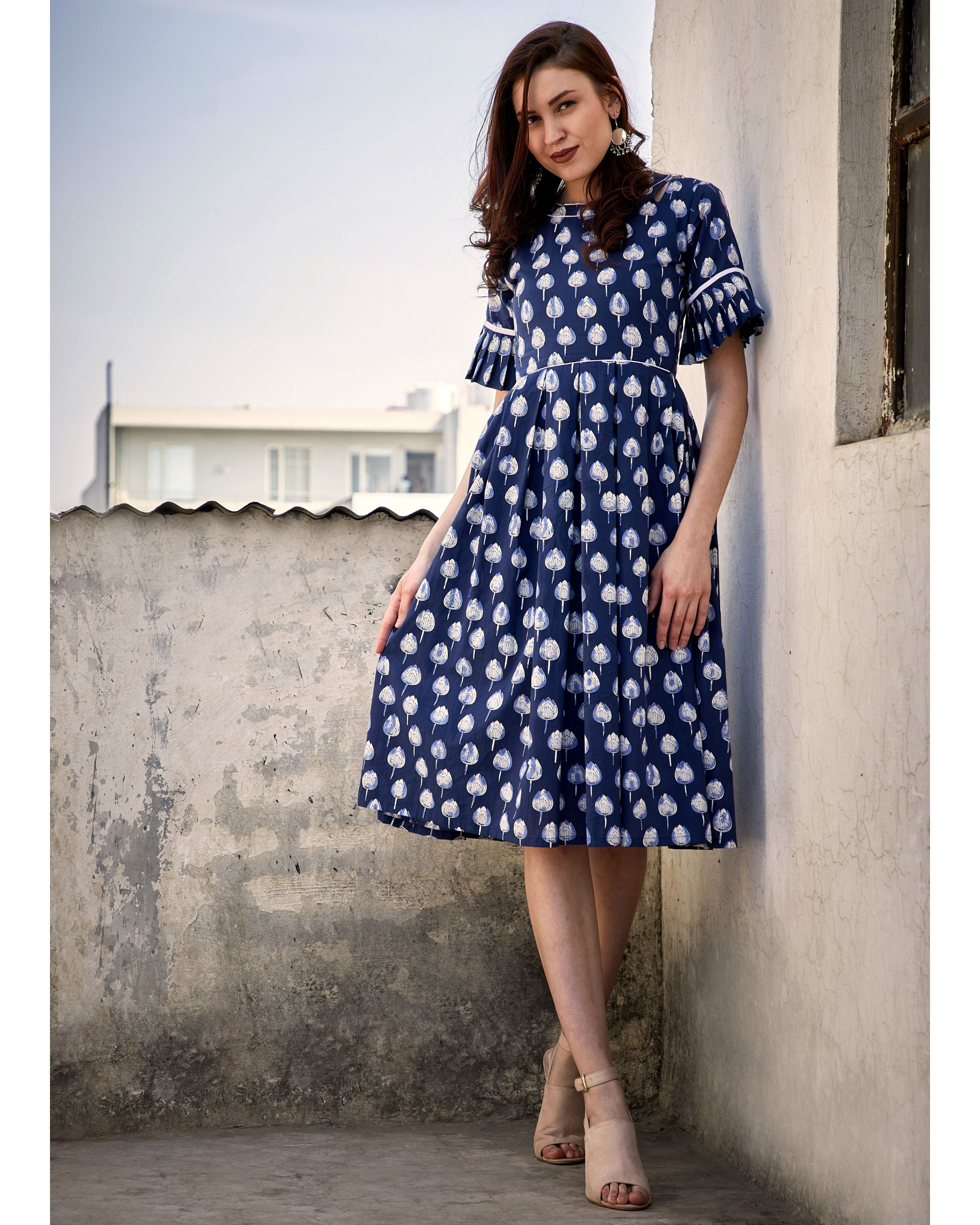 Blue mogra box pleated dress