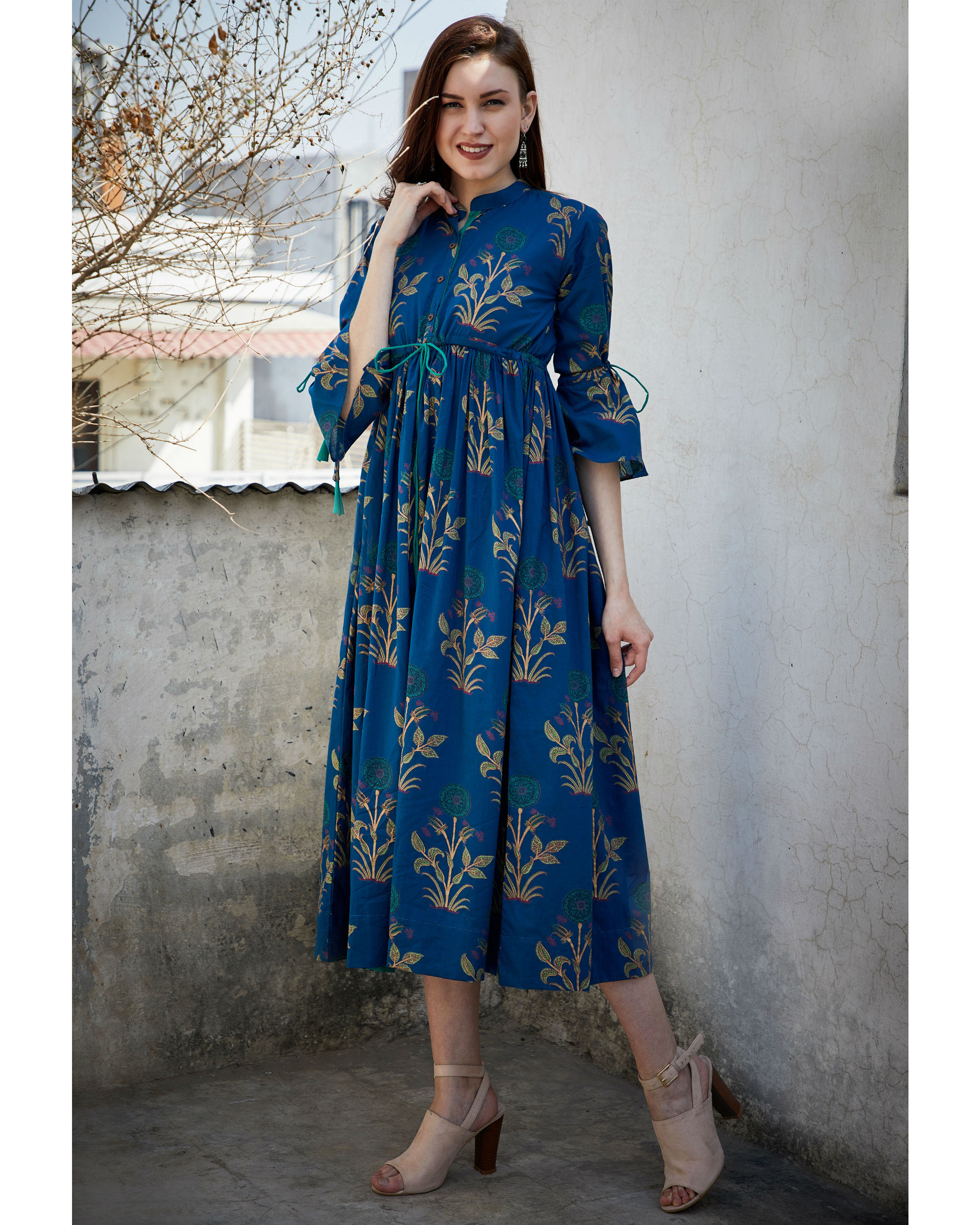 Blue foil printed gathered dress
