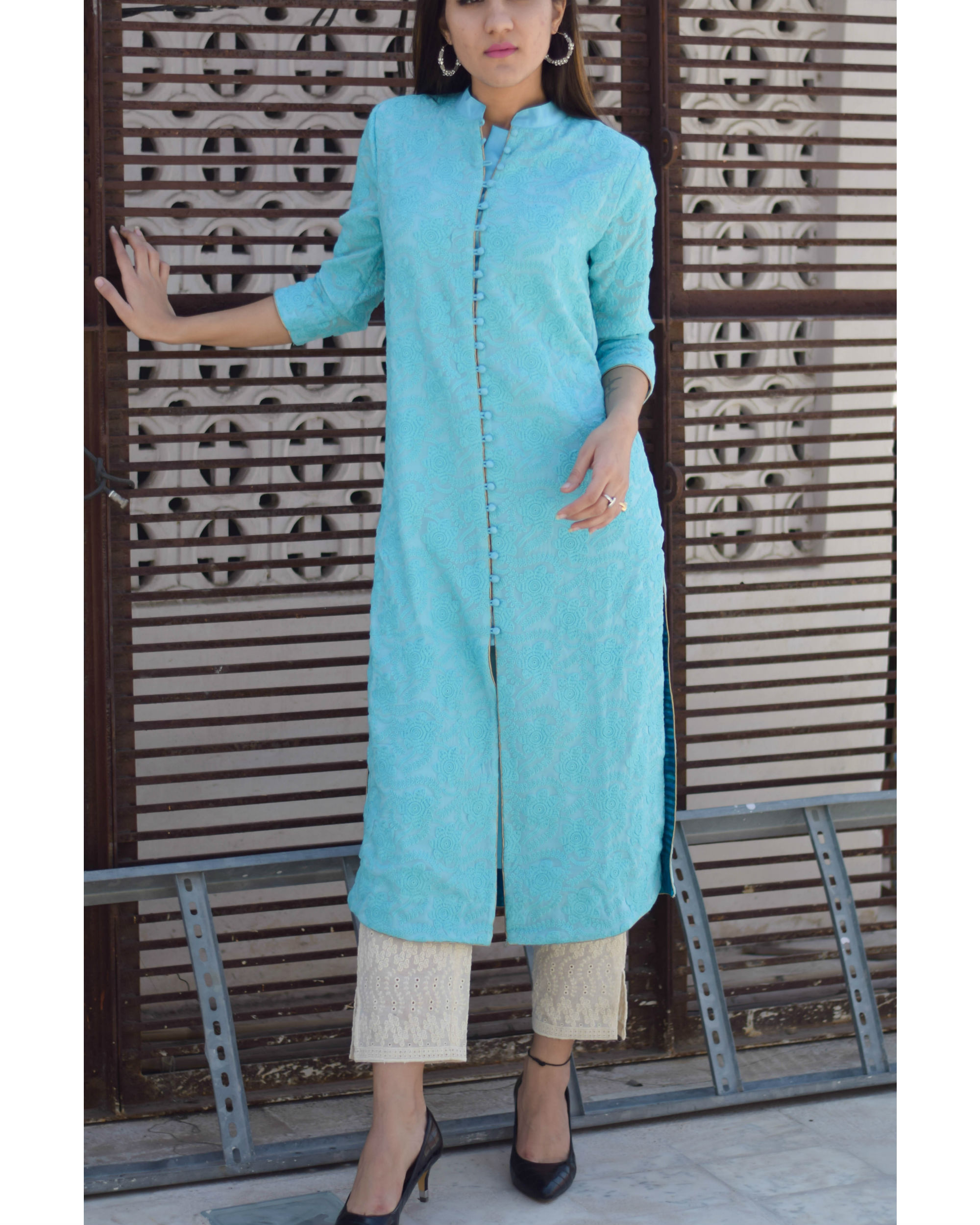 Embroidered kurta with pants