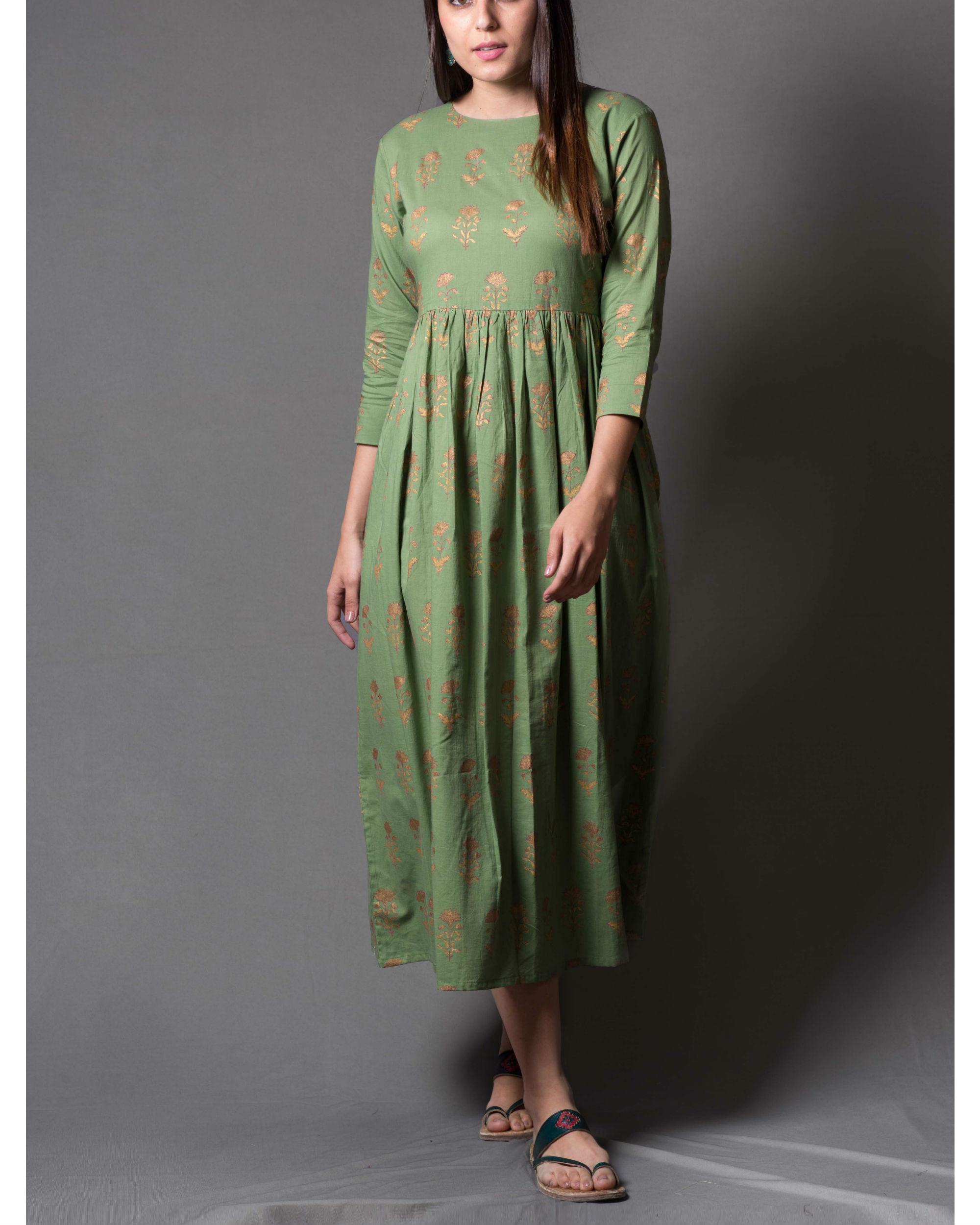 Green daisy block printed dress
