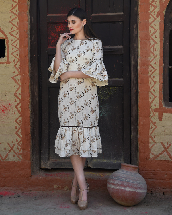 Off white pleated border dress