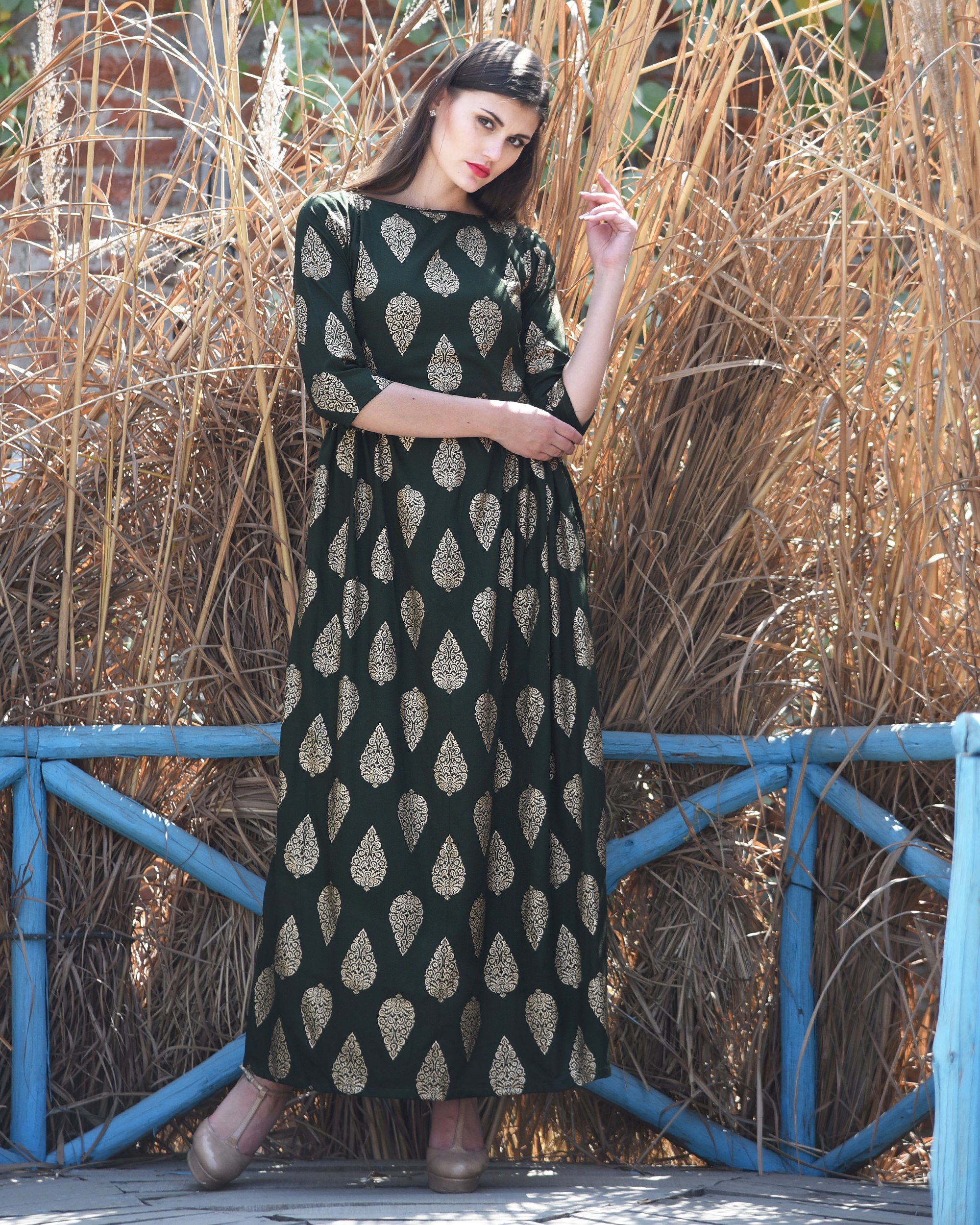 Green side pleated dress