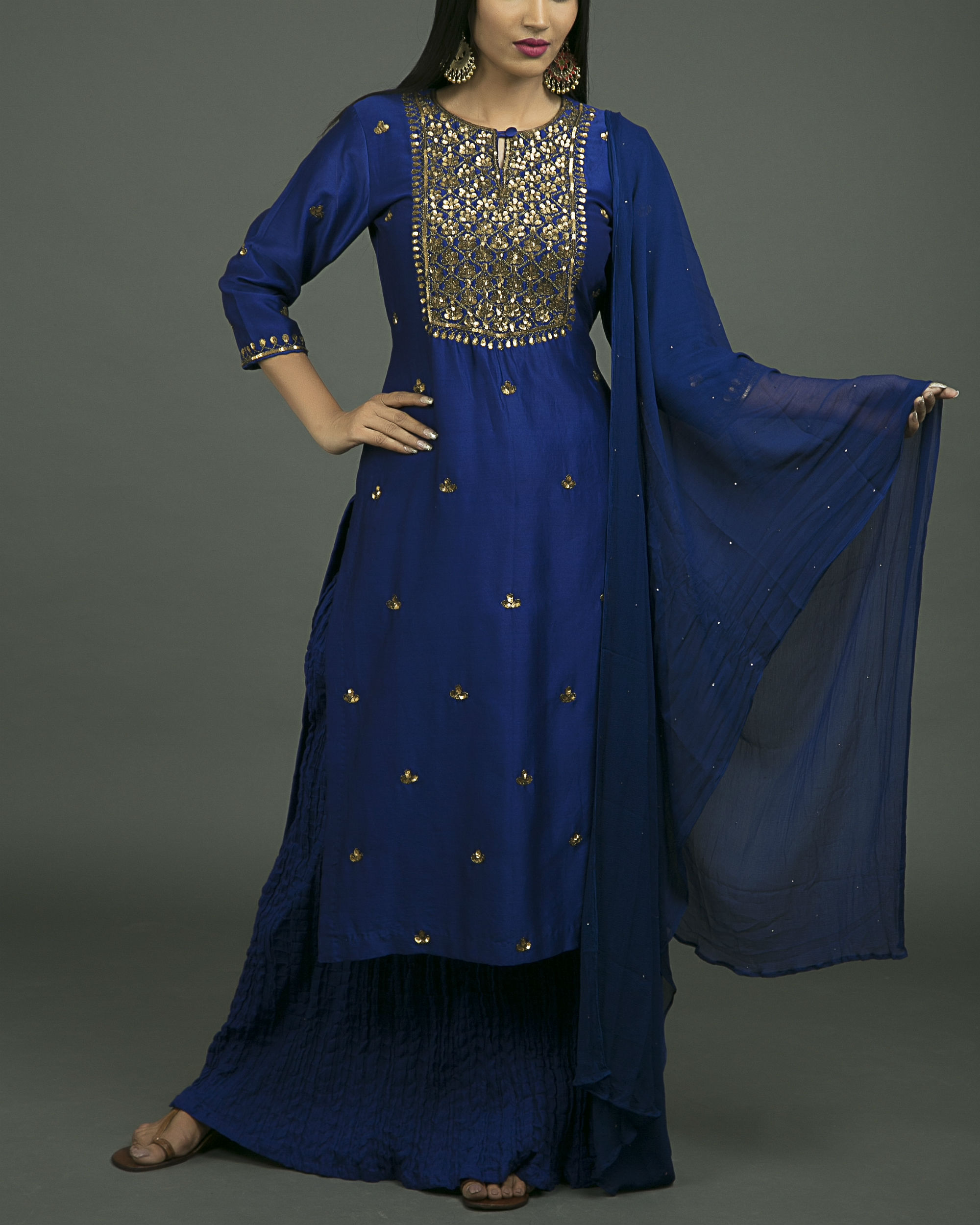 Neela aari embroidered kurta set with neela chiffon dupatta