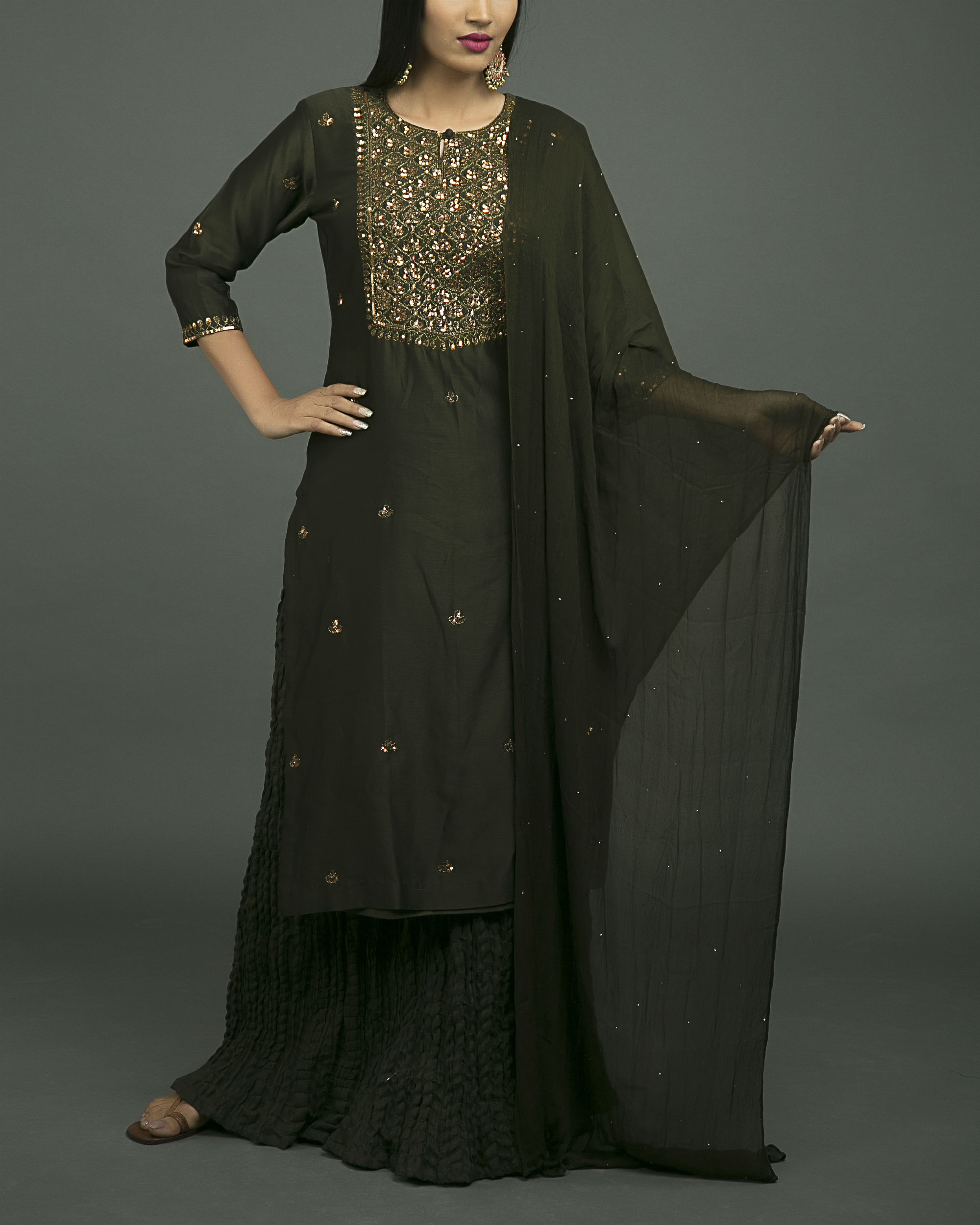 Mehendi jaal embroidered kurta set with mehendi green dupatta