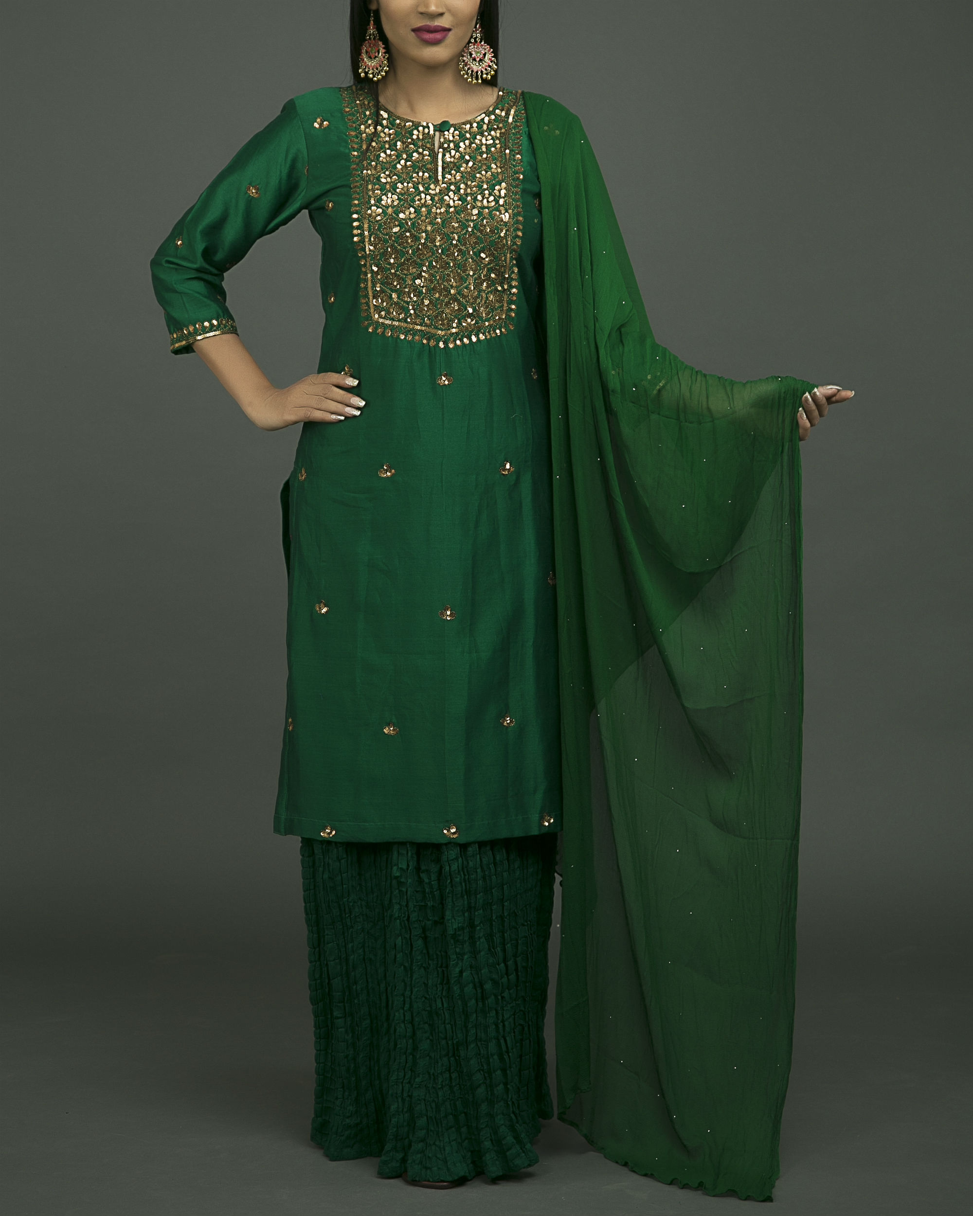 Hazrat begum embroidered kurta set with green chiffon dupatta