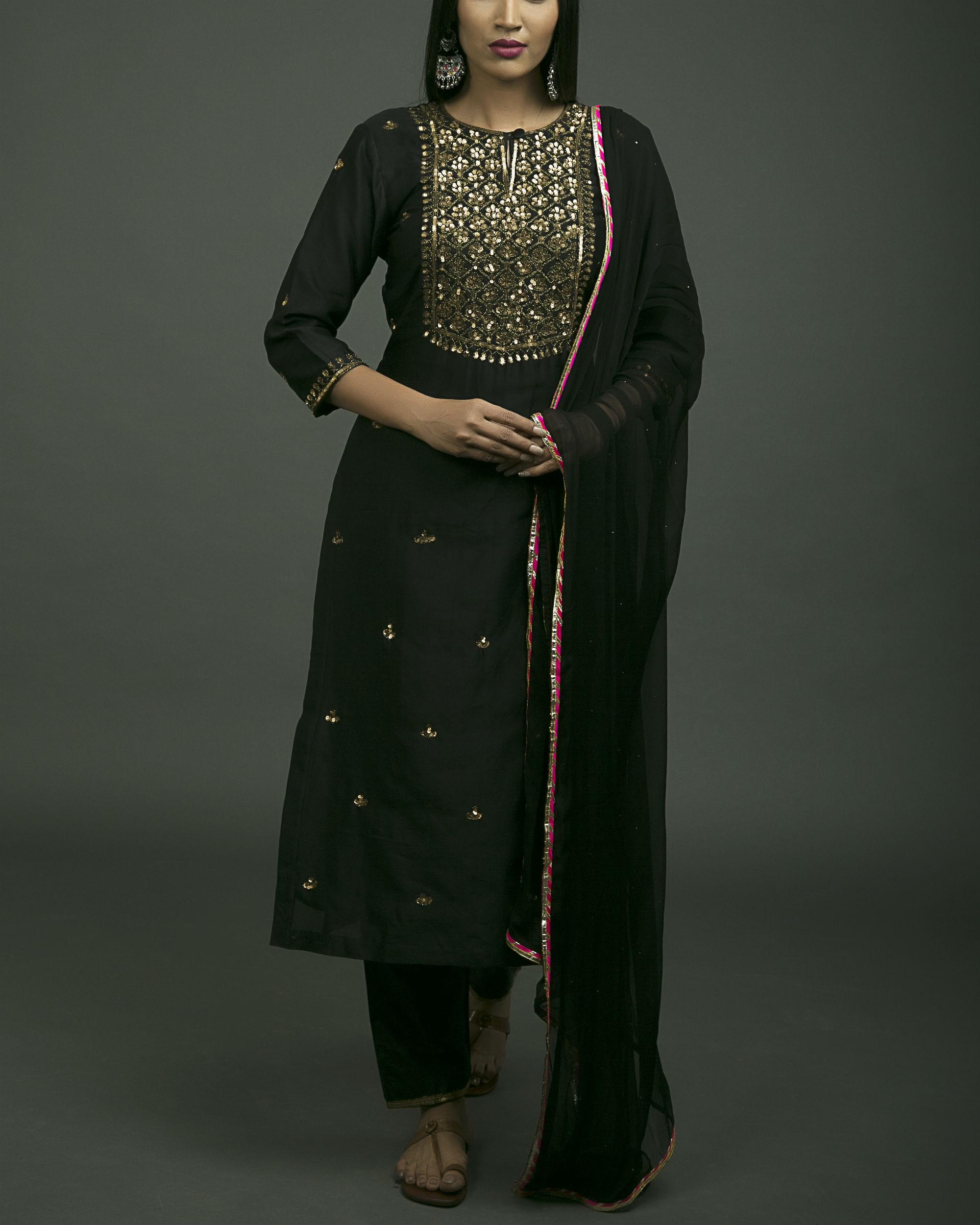 Shalimar aari embroidered kurta set with black dupatta