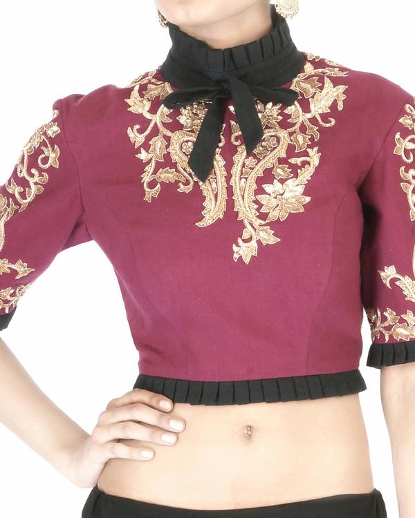 Maroon elbow sleeves embroidered crop top