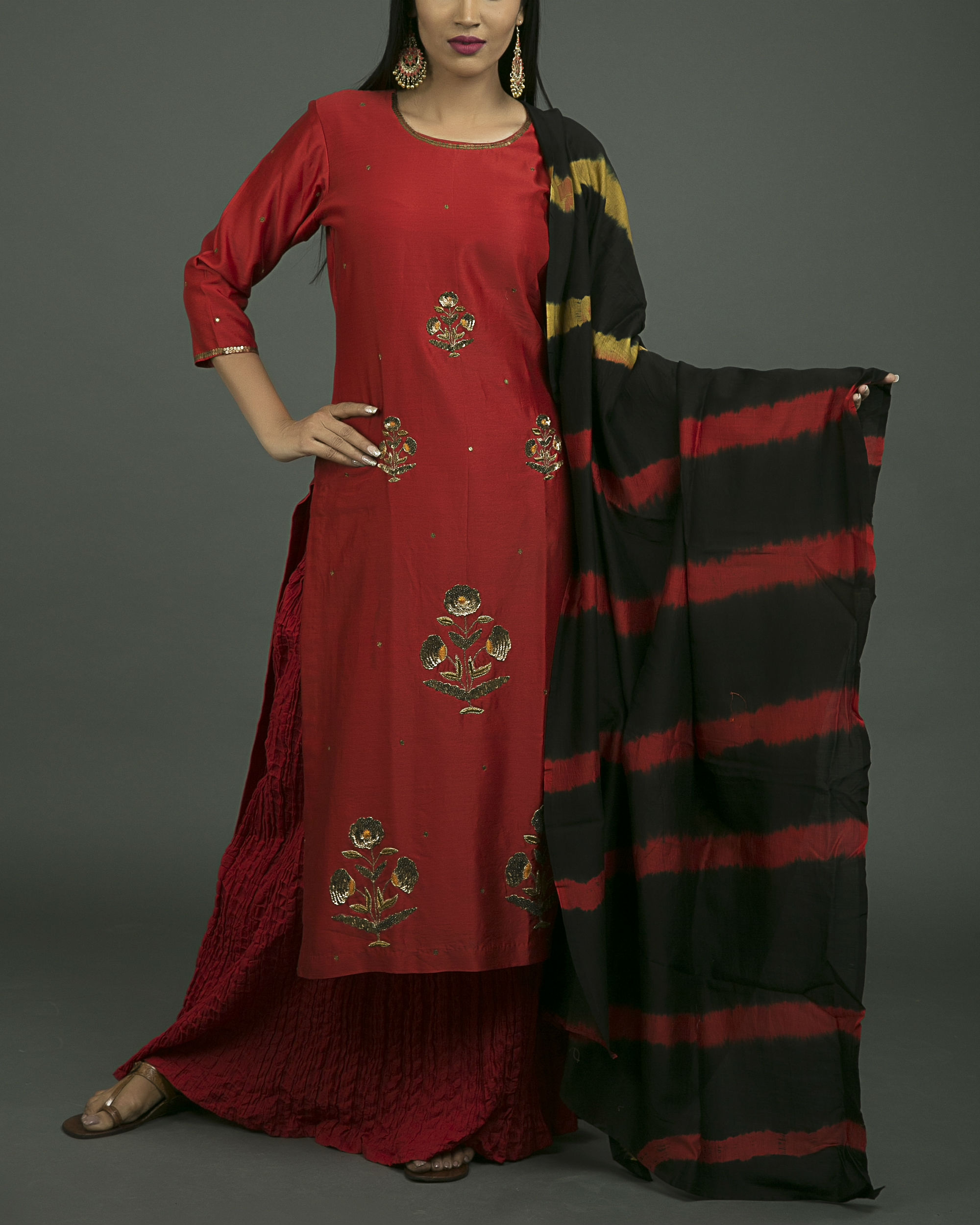 Laal ghaagra embroidered set