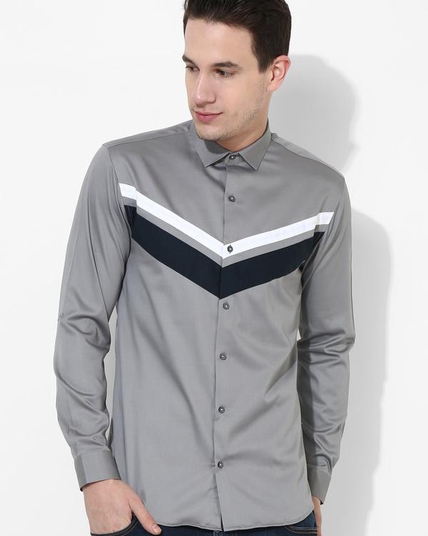 Grey trio color shirt