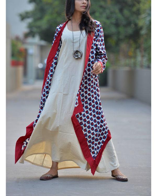 Off-white kurta with cape