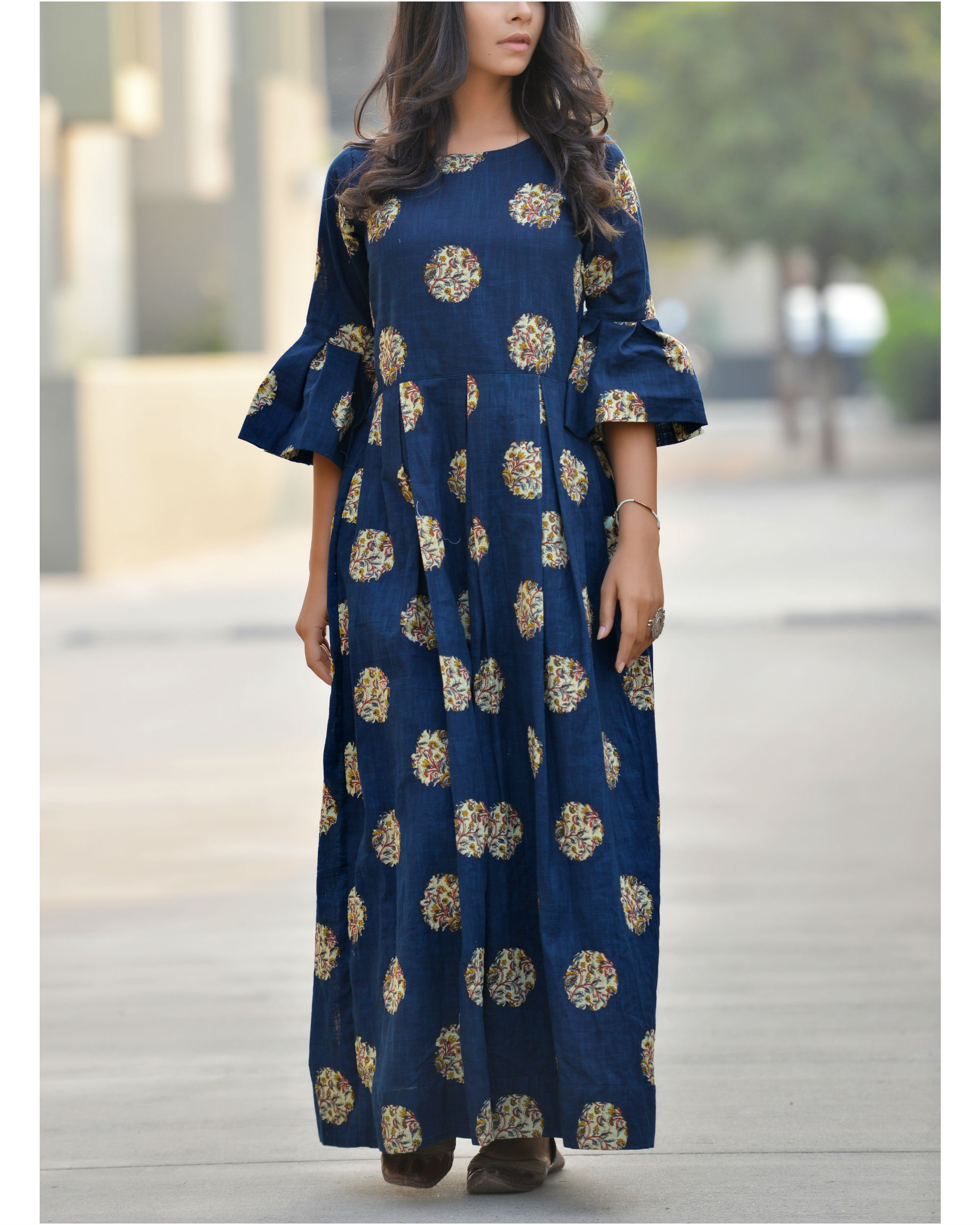 Bell sleeves maxi dress