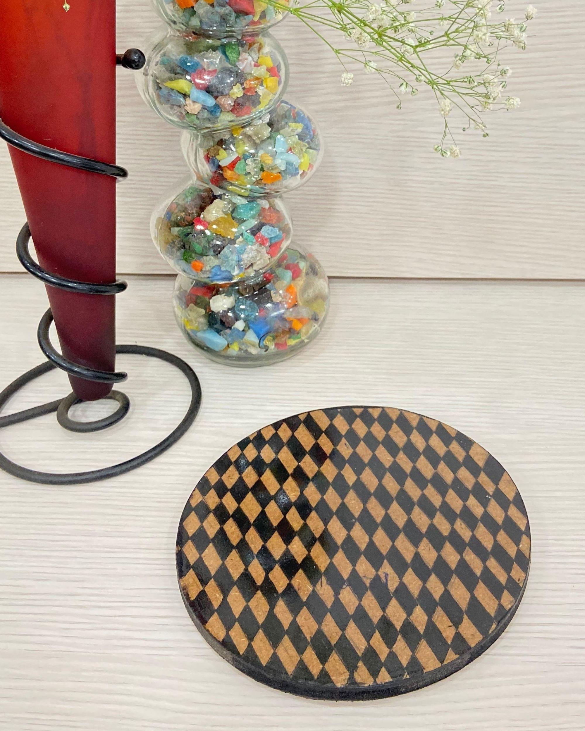 Black checkered hot plate