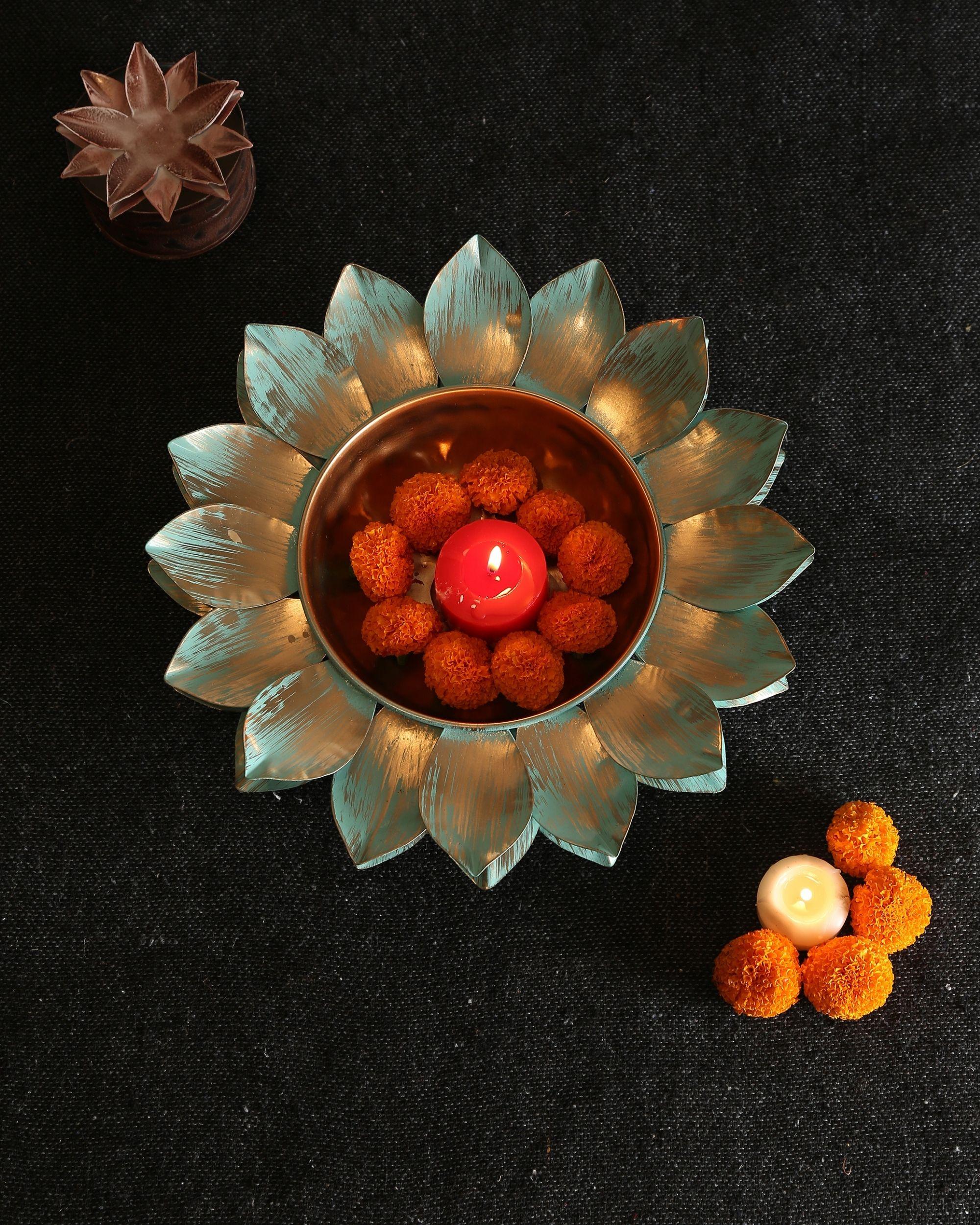 Lotus motif urli with patina finish - Small