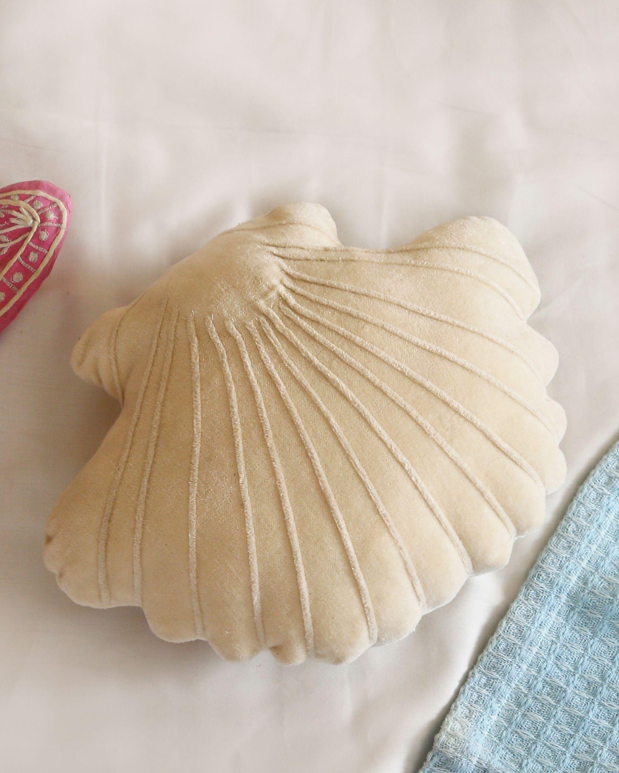 Sea shell cushion