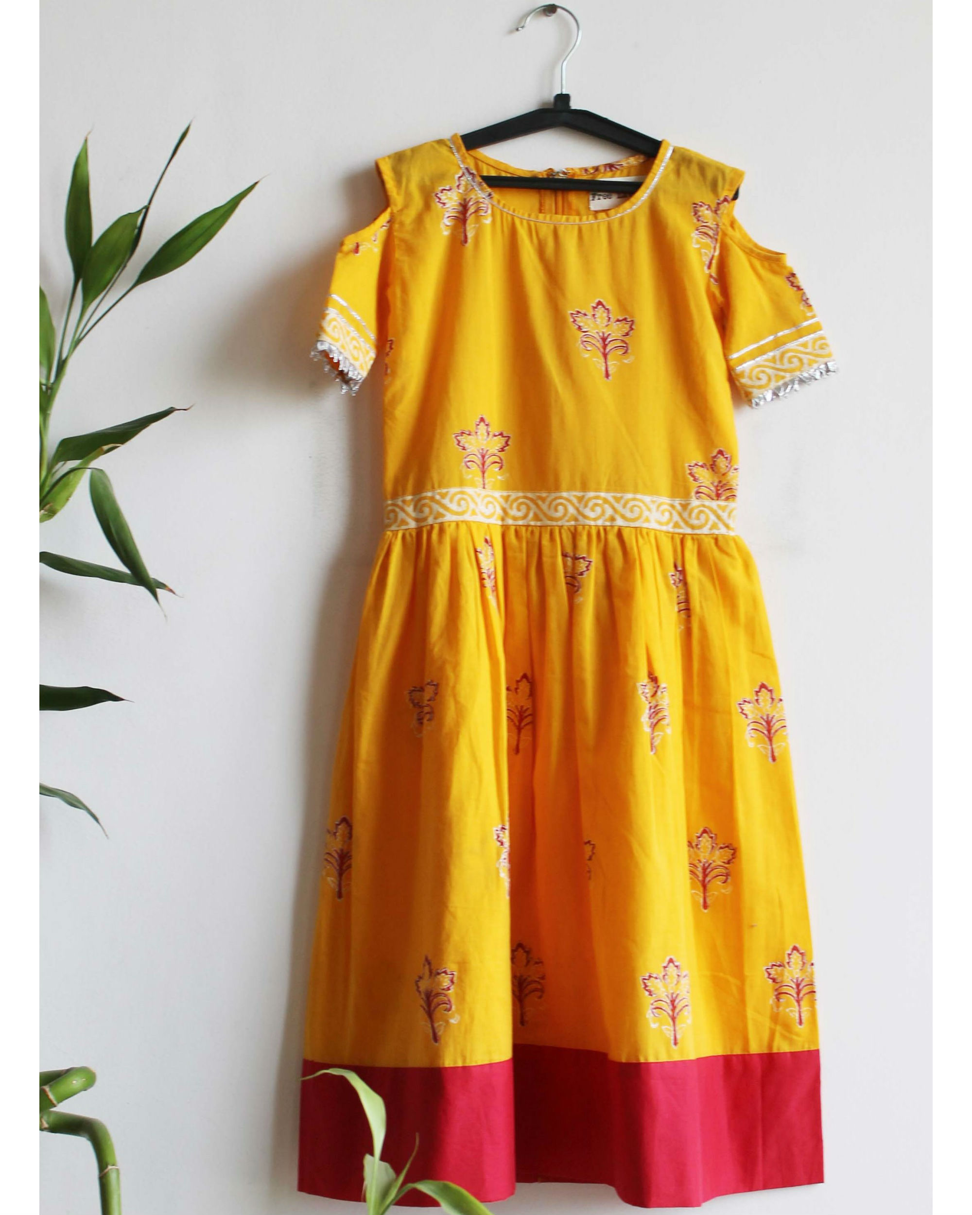 Mustard red border dress
