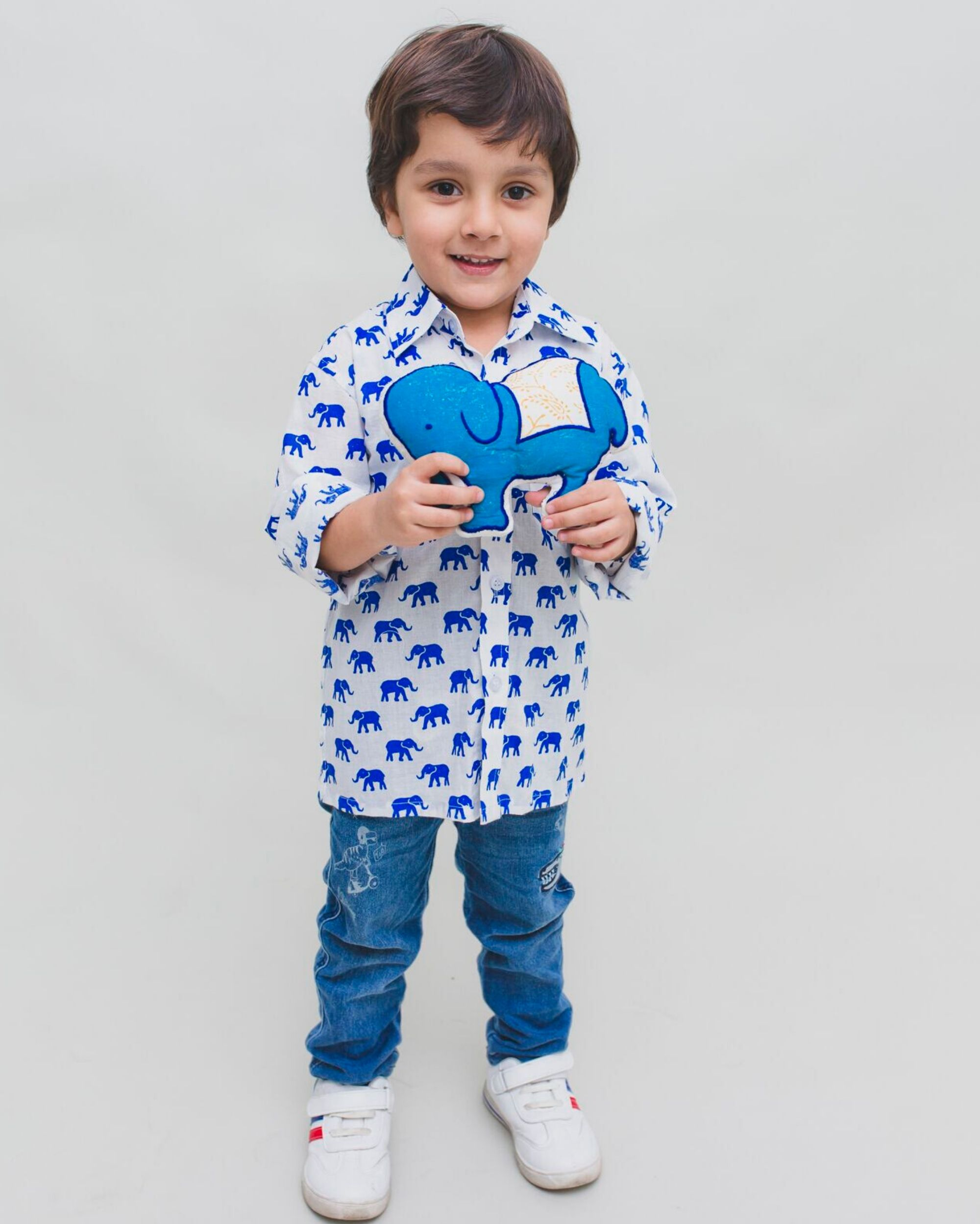 White and blue elephant printed shirt