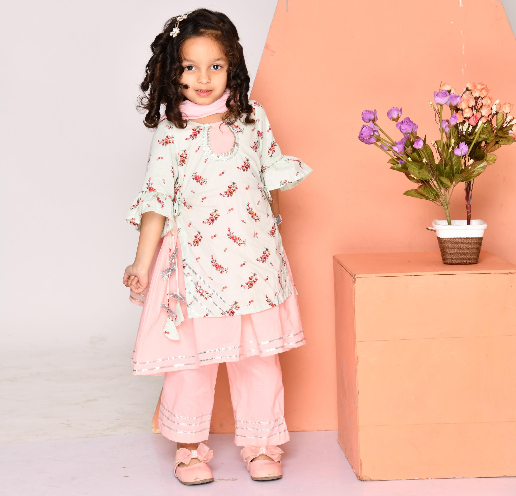 Pink floral layered kurta and pants- Set Of Two