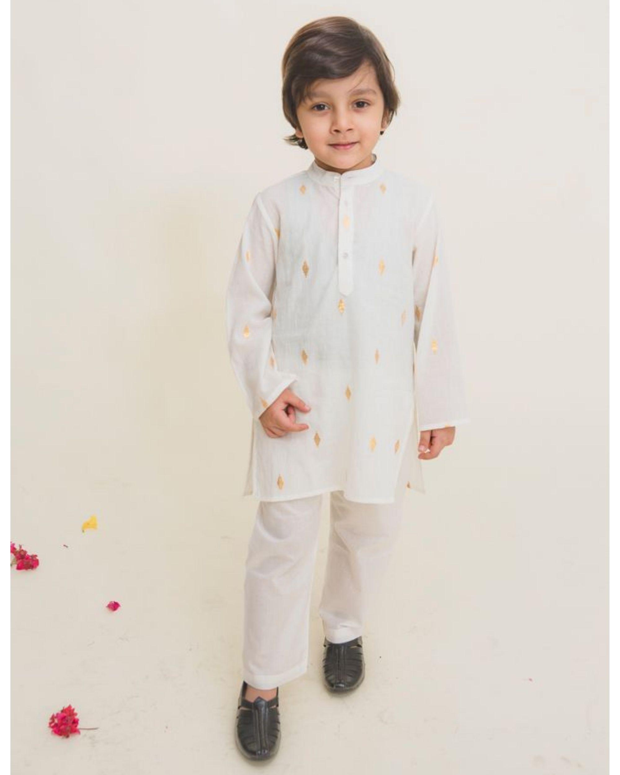 White printed full sleeves kurta