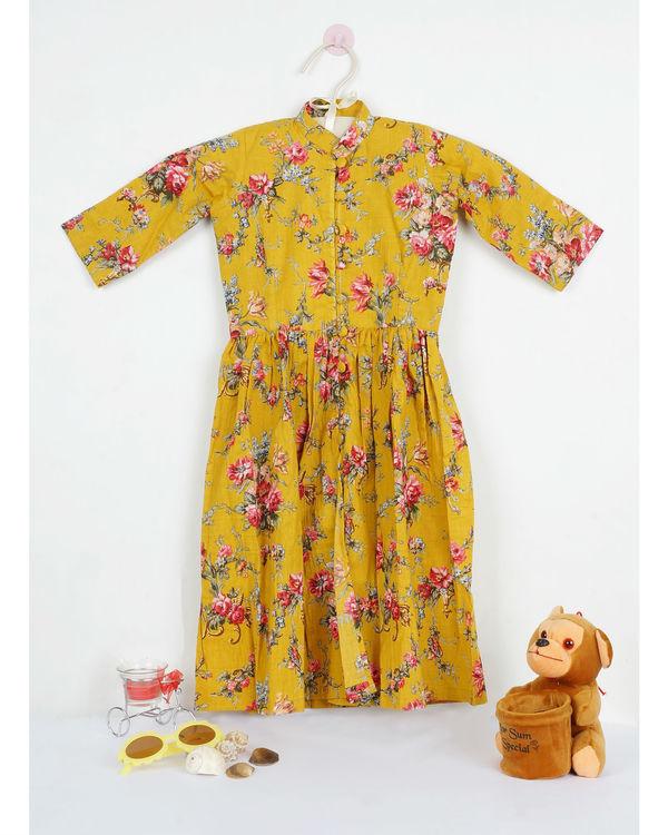 Mini marigold printed cape
