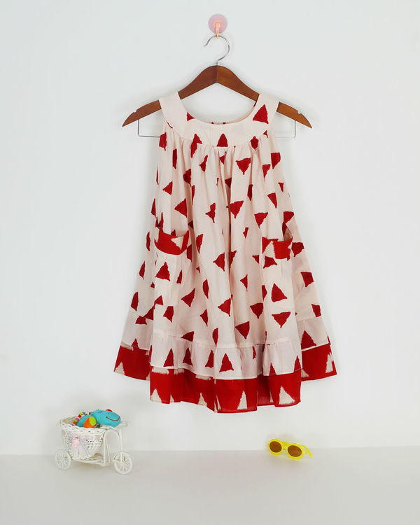 Red round collar dress