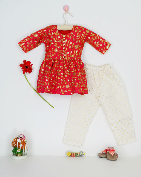 Red zari set