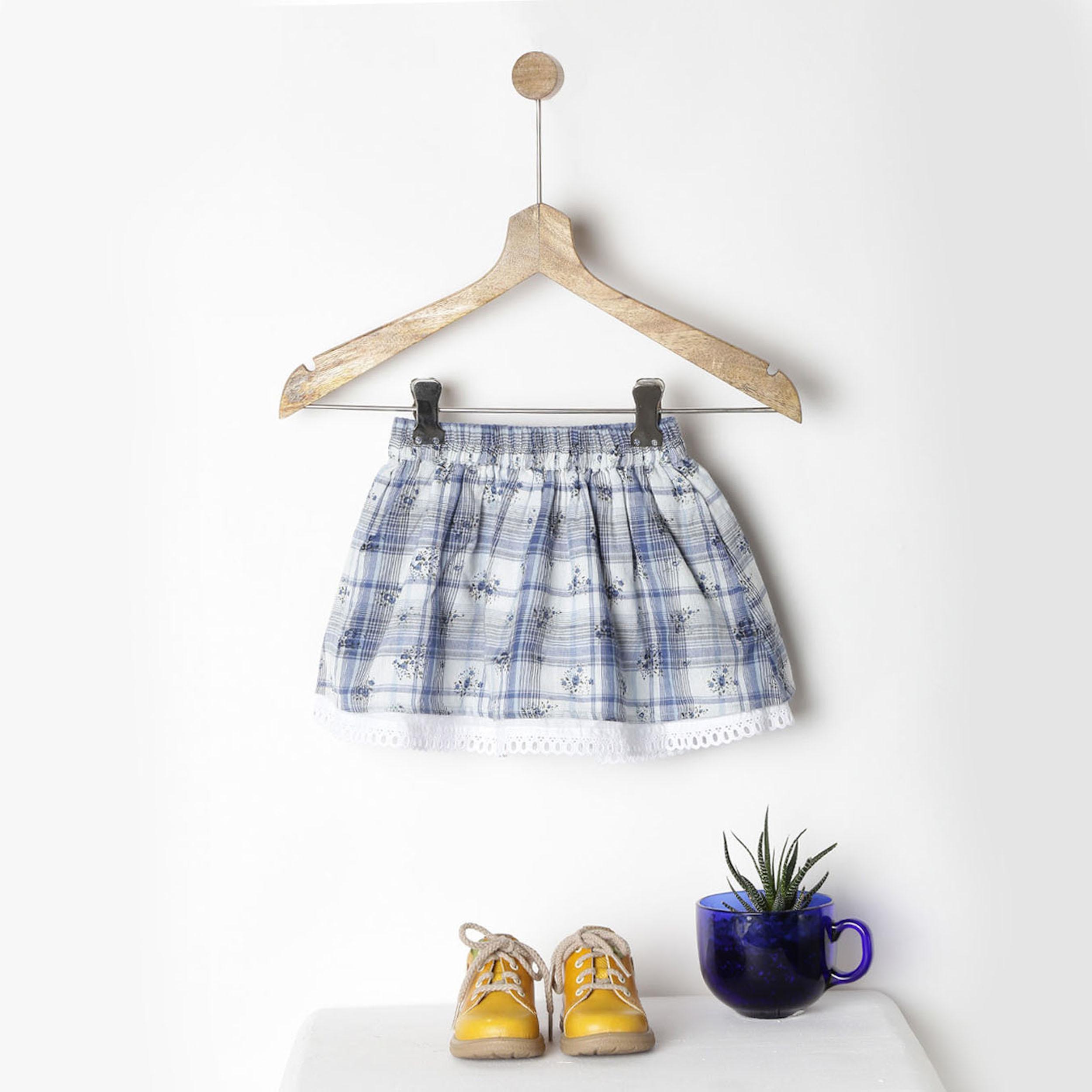 Blue & white lace hem skirt with pockets