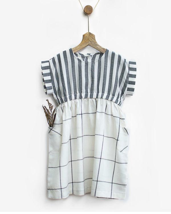 Grey & white checks smock dress with pockets