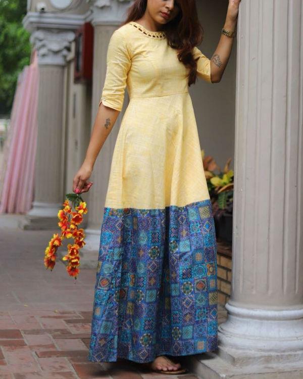 Yellow loop neckline dress 3