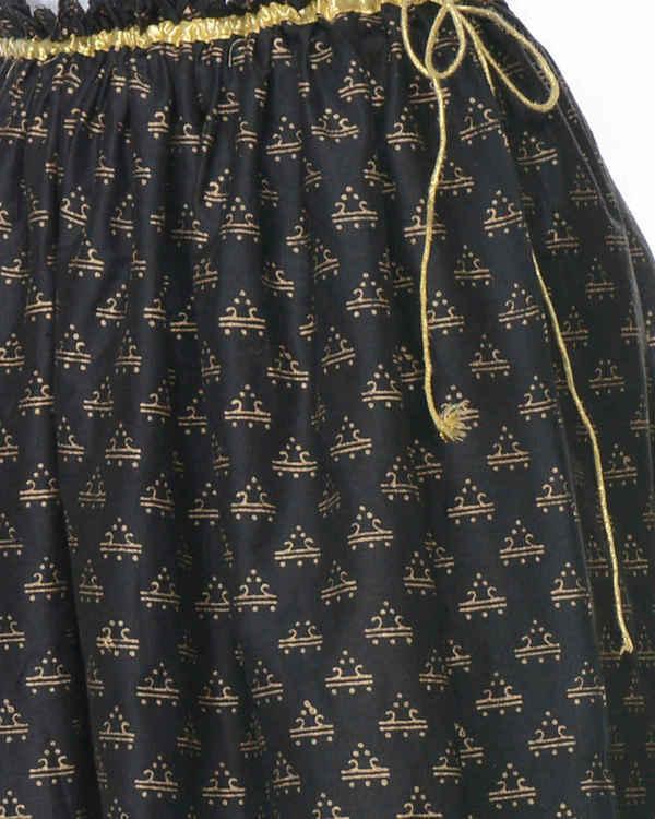 Black gathered block printed skirt 3