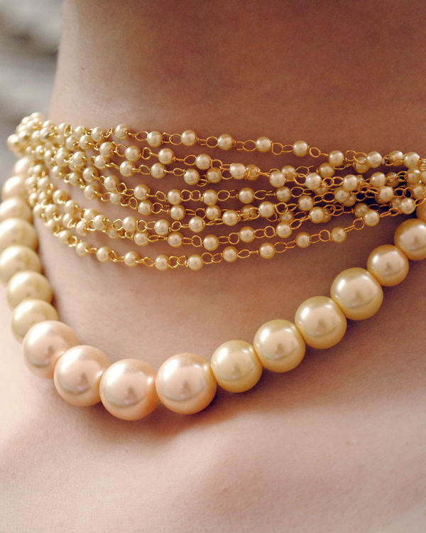 Pearl choker necklace 1