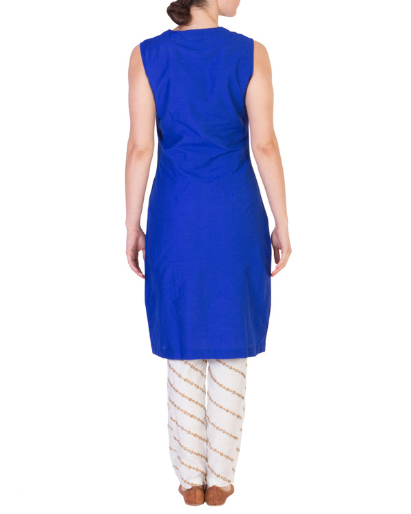 Blue solid straight tunic with tapered printed pants in off white 2