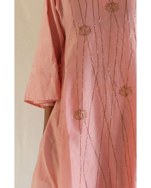 Pink linear embroidery kurta with pants 2