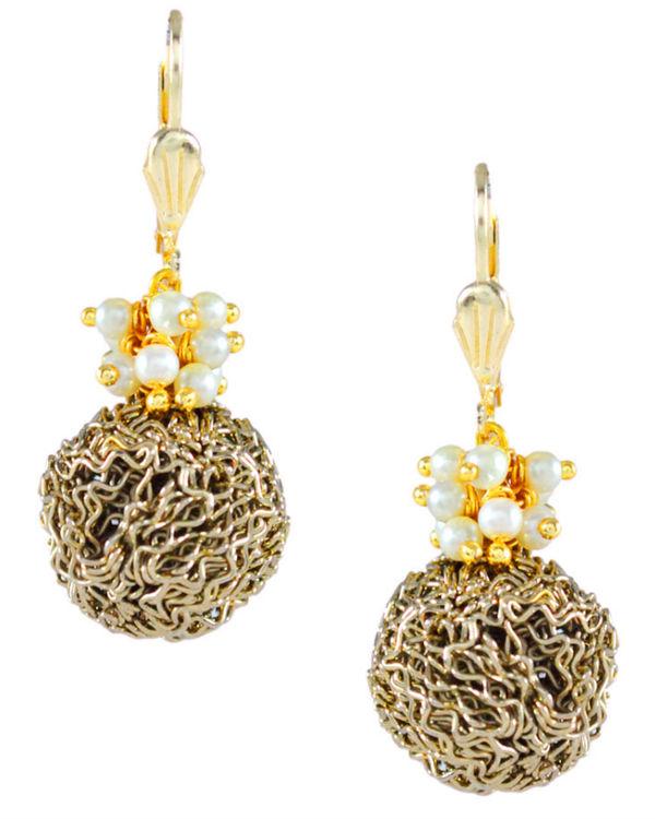 Mesh ball pearl earrings 1
