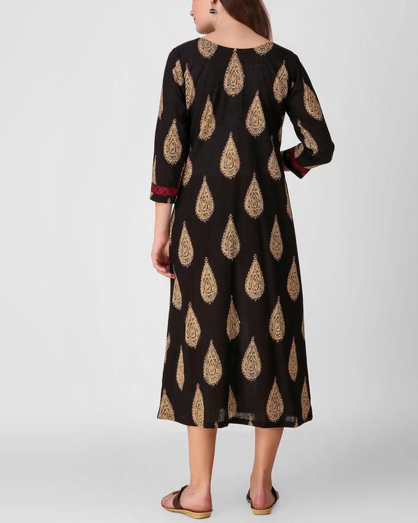 Black cross embroidery placket dress 2