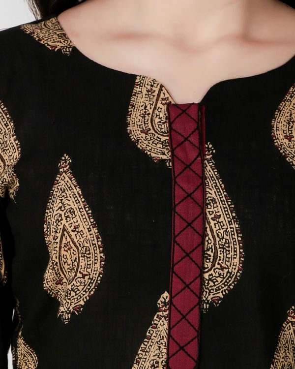 Black cross embroidery placket dress 3