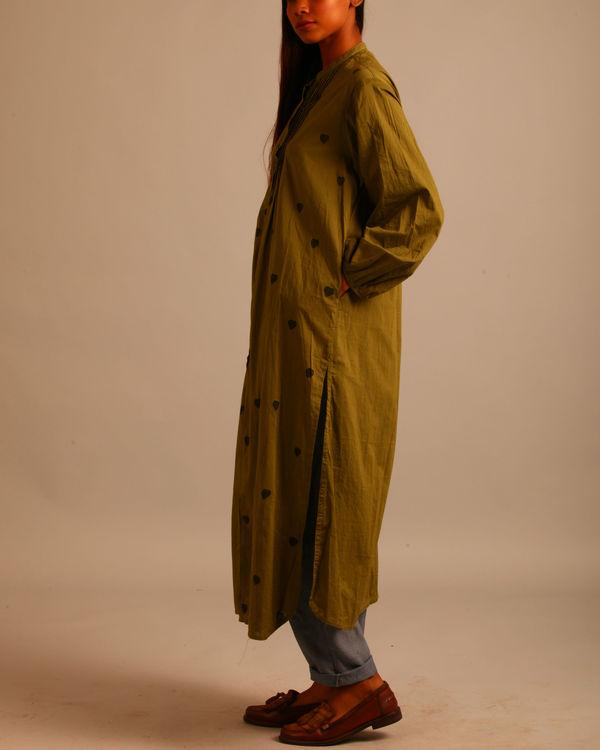 Green block print tucks dress 1