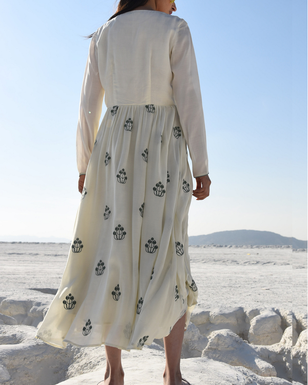 White embroidered maxi dress 2