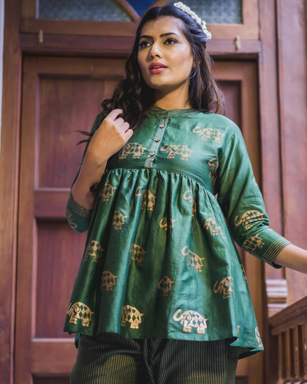 Green flared chanderi short kurta set - Set of two 1