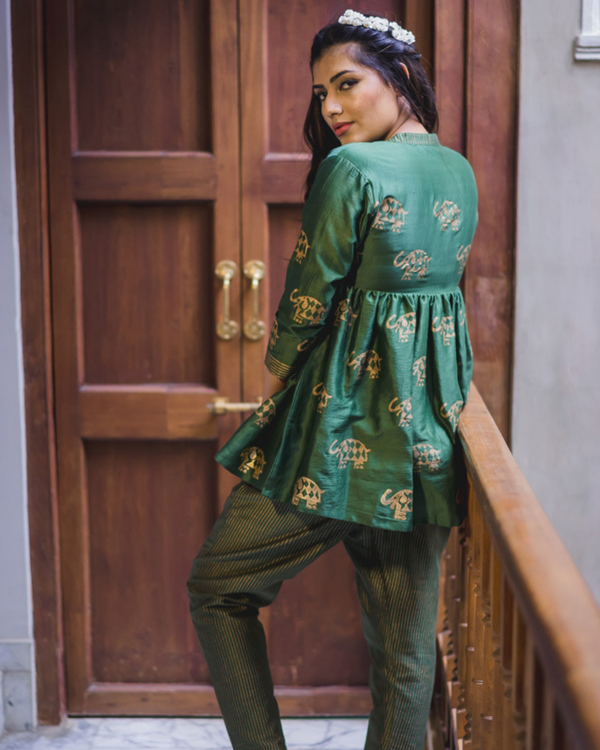 Green flared chanderi short kurta set - Set of two 2