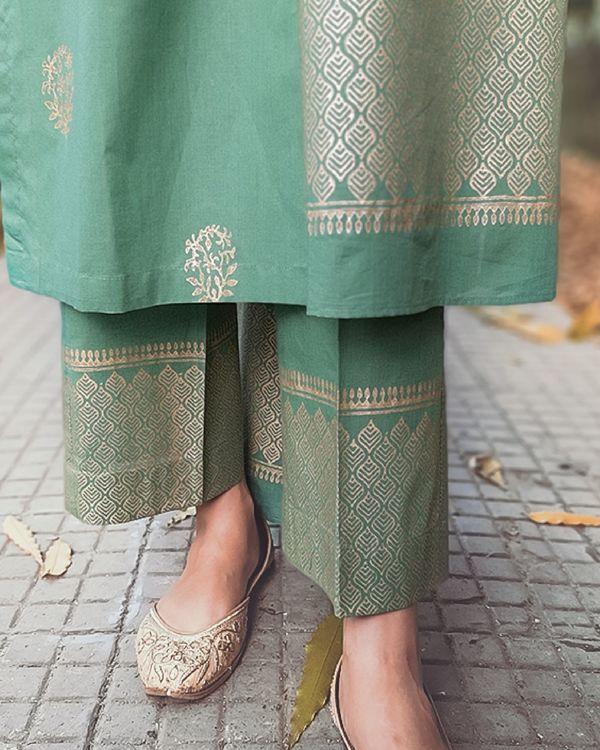 Block printed green kurta set with dupatta - set of three 2