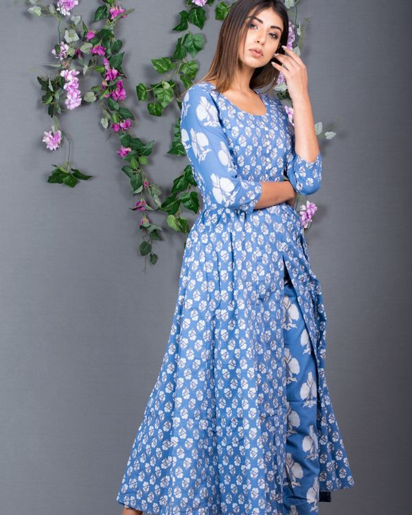 Blue front slit kurta with pants- set of two 2