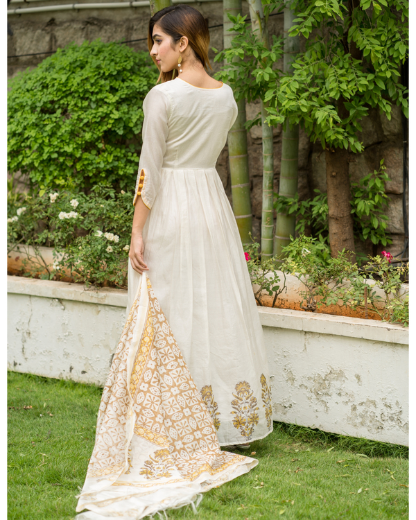 Yellow & beige box pleated dress with printed dupatta - Set of Two 2