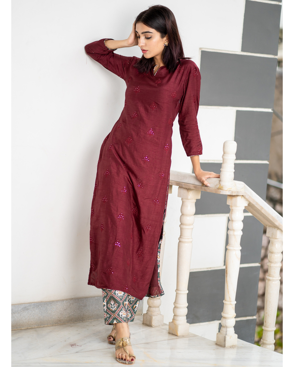 Maroon embroidered kurta with patola pants - set of two 5