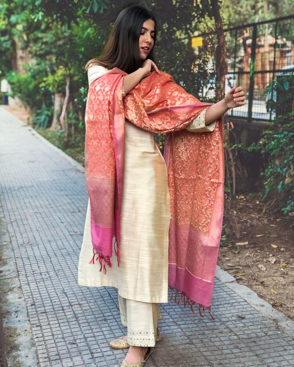 Beige cotton silk kurta set with  chanderi Benarasi dupatta - Set of three 4